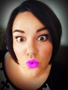 Bethany_ShortHair_LipstickBlog
