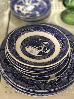 fancy plates goodwill