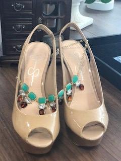 Jessica Simpson heels Goodwill